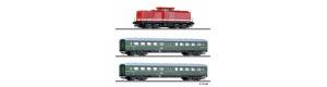 Základní set s motorovou lokomotivou řady 110 a dvěma osobními vozy, DR, IV. epocha, TT, Tillig 01425