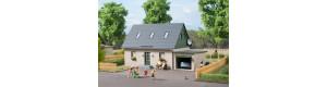 Rodinný dům s garáží, H0, Auhagen 11454
