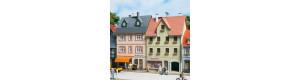 Dva obytné domy, Nádražní ullice č. 5 a 7, H0/TT, Auhagen 12345