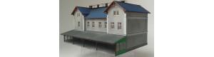 """Staniční budova ZvKČ LXVI/H (ONWB typ C) """"LEDEČKO"""", H0, KB model 5045"""