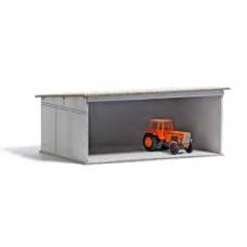 Stavebnice, přístřešek pro zemědělská vozidla, s traktorem, TT, Busch 8809