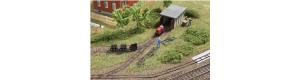 Atrapa polní drážky s kůlnou pro lokomotivu, TT, Auhagen 43700