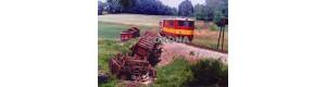Pohlednice, motor. lokomotivy 705.912-4 míjí pozůstatky nehody u Rodinova - 1994, Corona CPV019