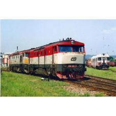 Pohlednice, motorové lokomotivy 751.101a751.143 v depu Meziměstí-květen 2007, Corona CPV042